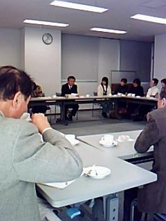 講演会のあと、笹倉剛先生を囲んでボランティアメンバー交流会