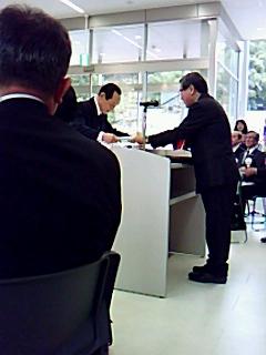 久里洋二名誉館長「まなべの館」リニューアルオープン