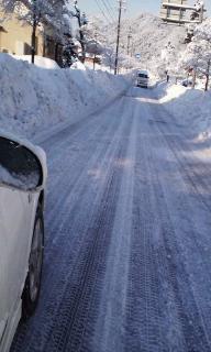 道路の除雪頑張っています