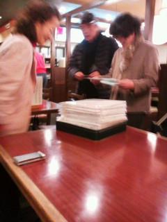 刺し子布巾、鯖江市連合婦人会から相馬市婦人会へ寄贈