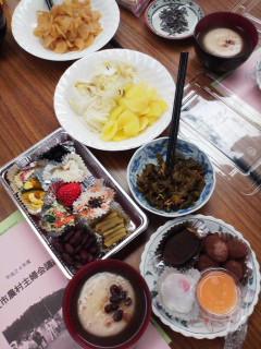ぜん〜ぶ手作り農村主婦会総会の昼食