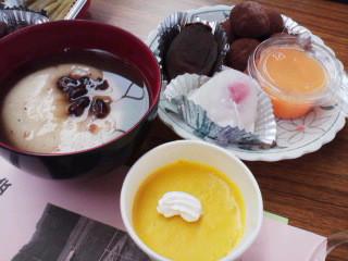 地産地消「スィーツ・米粉入りカボチャケーキ」